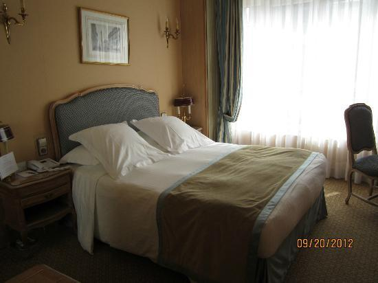 写真ホテル ロシェスタ シャンゼリゼ枚