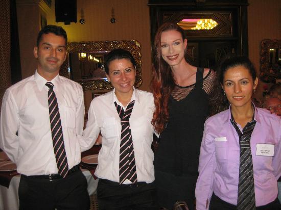 Club Hotel Sera: Servicekräfte im Speisesaal