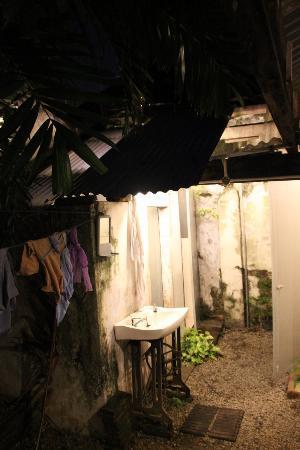 Jalan-Jalan: Espace commun sanitaire