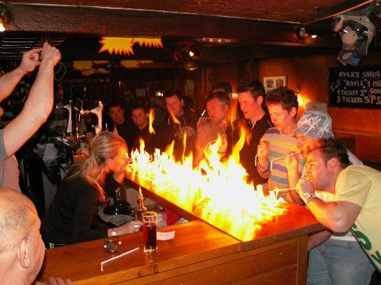 EL Marselles : ambiance bar