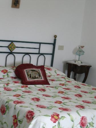 La Mammola: camera da letto