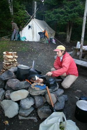 Mahoosuc Guide Service: Polly Cooking up another Delicious Meal - Ulrike Welsch