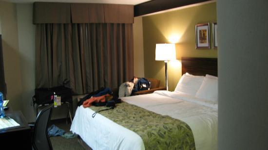 Sleep Inn: View into the room