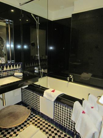 Palais Amani: salle de bains