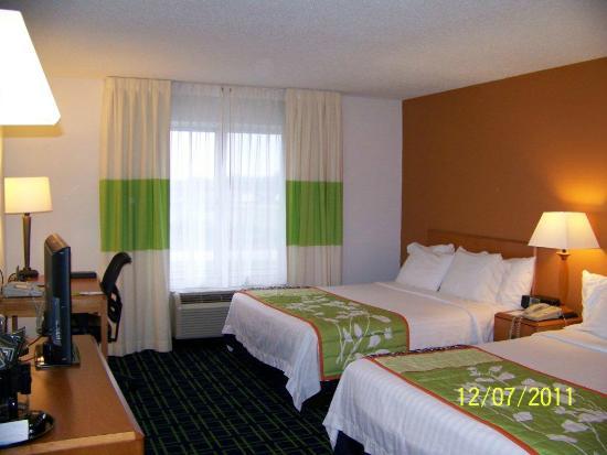 Fairfield Inn & Suites Indianapolis Noblesville: Standard QNQN room