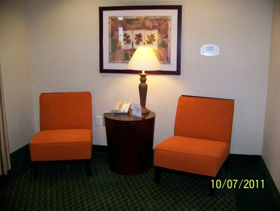 Fairfield Inn & Suites Indianapolis Noblesville: Sitting area
