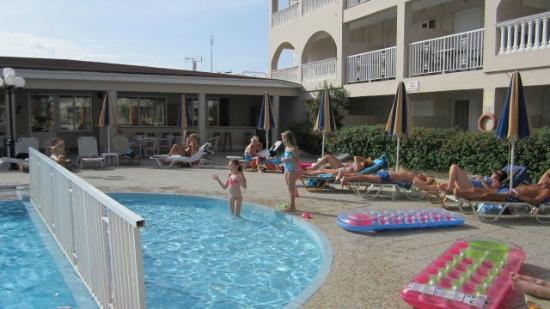 Planos Bay Apartments Hotel 사진