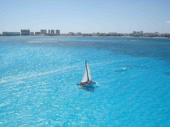 Cancun Catamaranes: Esto es Cancún Catamarans