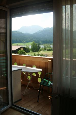 Hotel Gasthof Weissensee: View of balcony