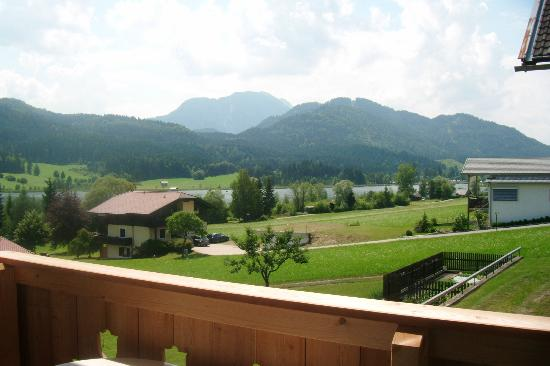 Hotel Gasthof Weissensee: View from balcony