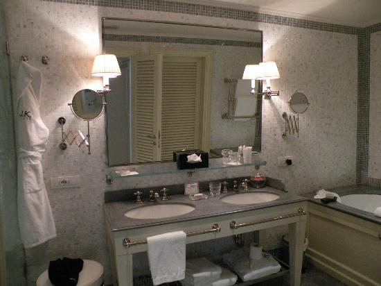 J.K. Place Capri: our bathroom - so pretty!!!!