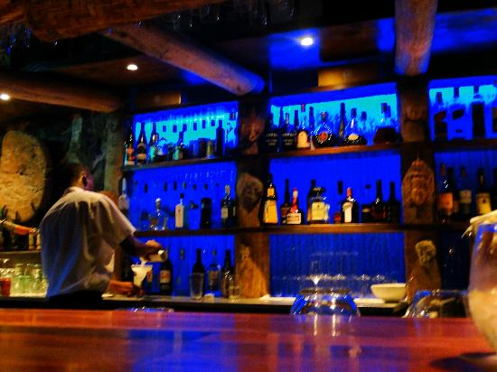 Baoase Luxury Resort: Bar