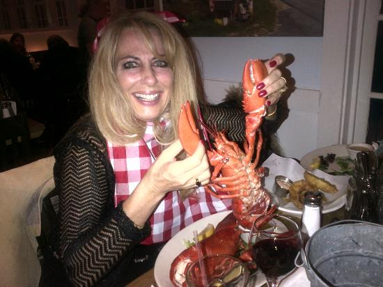 Robert's Maine Grill: Huge and succulant lobster!
