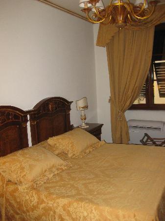 Hotel Palazzo Alexander Bedroom
