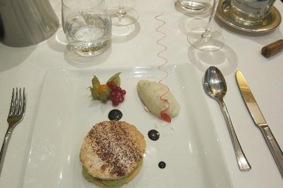 La Cote des Monts Damnes: quels beaux et bons desserts
