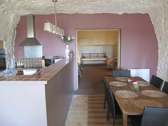 Lavoir Du Coteau: Kitchen-dining