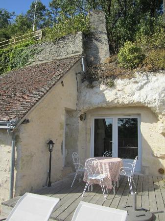 Lavoir Du Coteau: Cave house patio