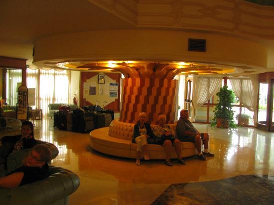 步伐大飯店照片