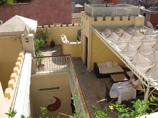 Riad Cocoon: Looking out on the terrace