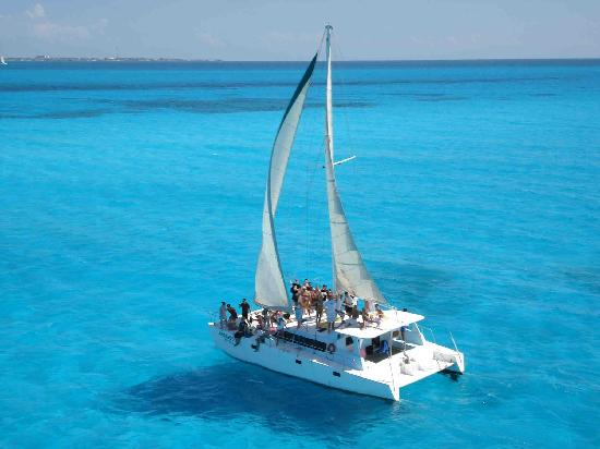 Cancun Catamaranes