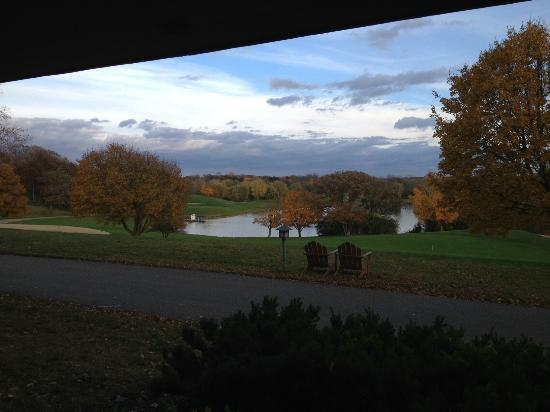 Lakeside room and by golf course picture of grand for Lake geneva resorts cabins