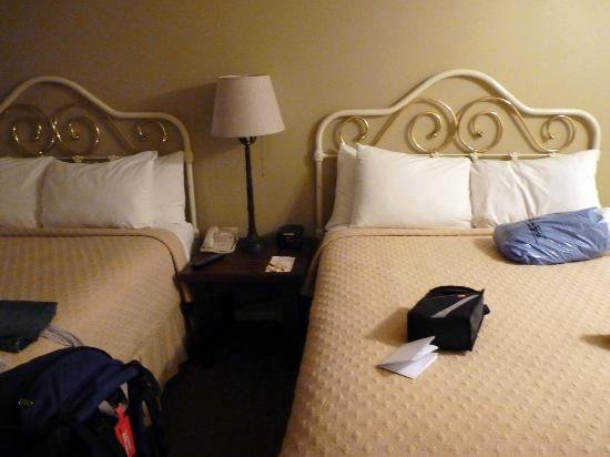 Sand Pebbles Inn: Comfy Beds & Pillows