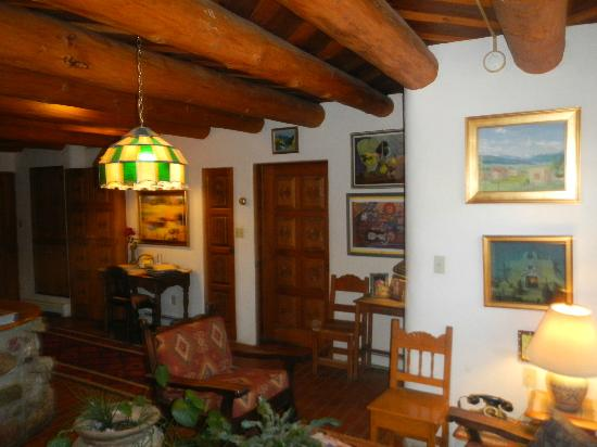 La Dona Luz Inn, An Historic Bed & Breakfast: family area
