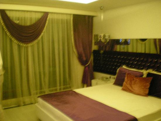 Padya Hotel: menekşe odamız
