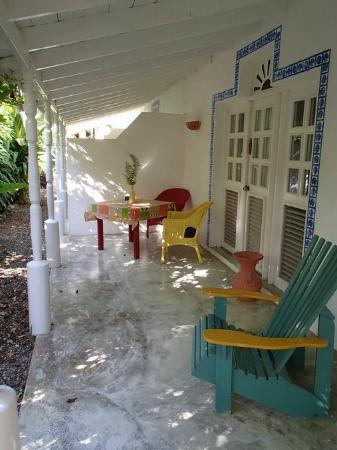 Cabarete Surfcamp: Veranda Ali's Surf Camp