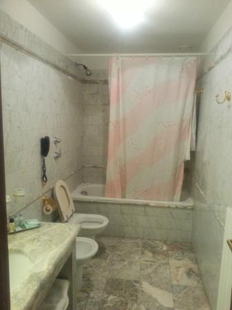 Hotel Villa Stanley: Il bagno