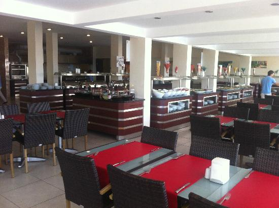 Petunya Beach Resort: Restaurant buffet
