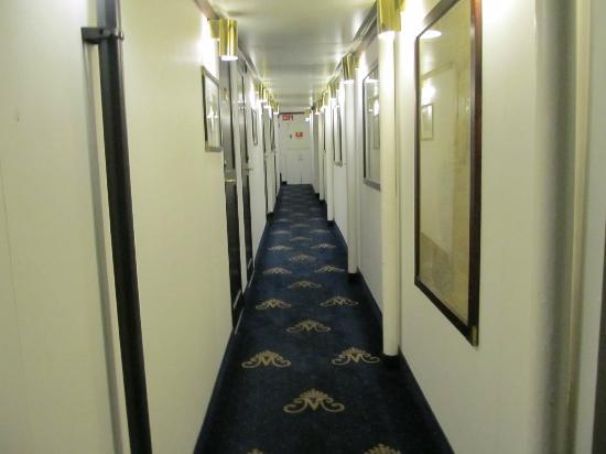 Mälardrottningen Yacht Hotel och Restaurant: hallway