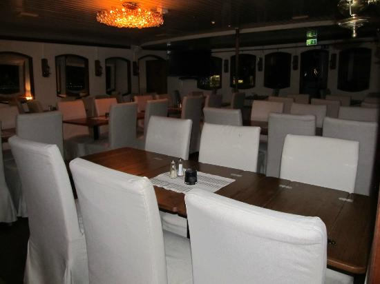 Malardrottningen Yacht Hotel and Restaurant: dining area