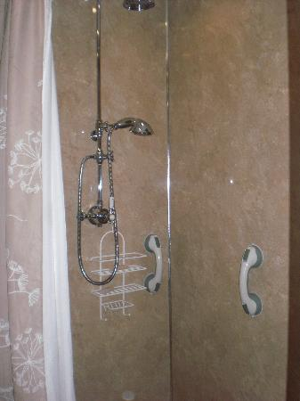 St. Cuthbert's House : Super wet room and great shower