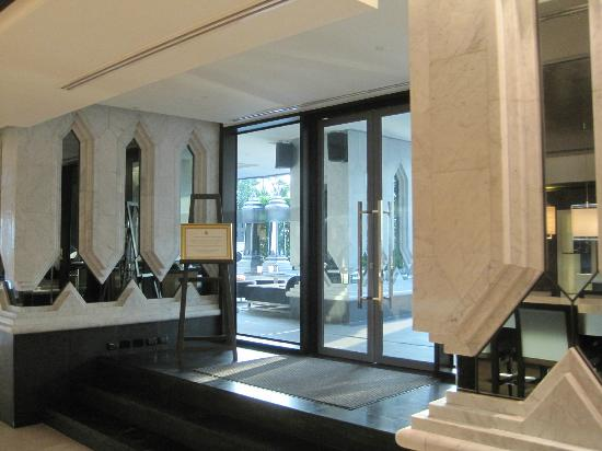 The St. Regis Bangkok: Lobby
