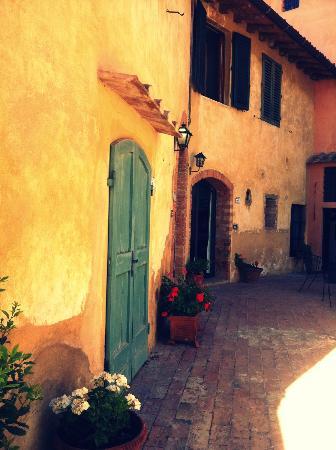 Villa il Pozzo: Courtyard