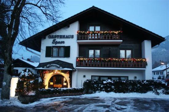 Gästehaus Egner: Außenansicht Winter