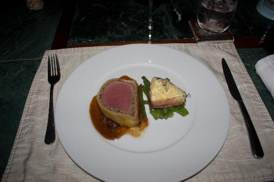 2 Fools and a Bull: THE BEST Beef Wellington Ever