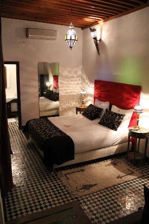 Riad Fez Yamanda : Our very spacious room