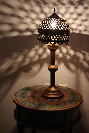 Riad Fez Yamanda: Nice lamps