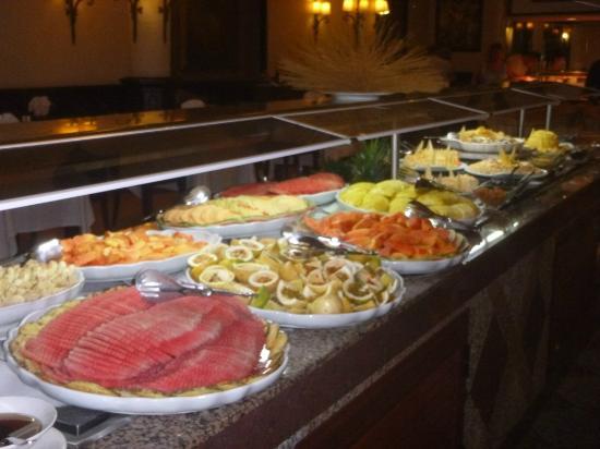 ClubHotel Riu Bambu: Dining