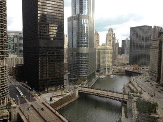 ‪‪Renaissance Chicago Downtown Hotel‬: view outside our room