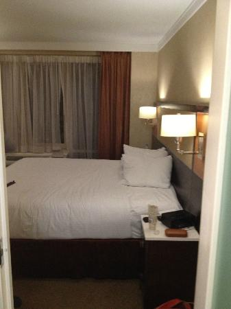 Staybridge Suites Times Square - New York City: bed