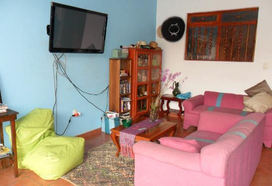 Azul Cielo Hostel: salón 2