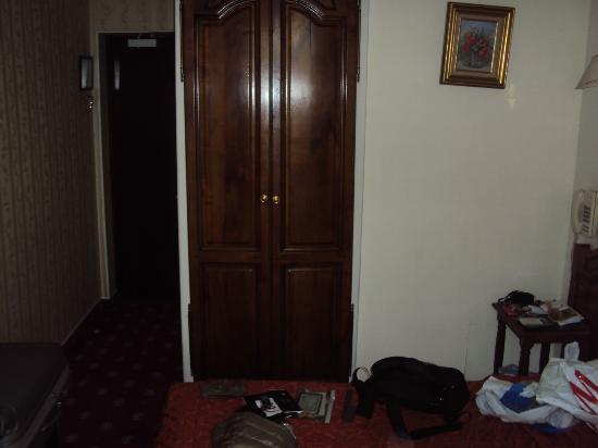 Familia Hotel: Room