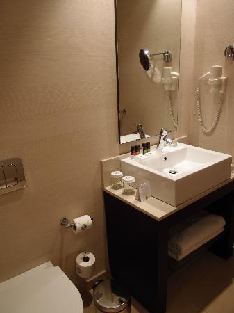 Galaxy Hotel Iraklio: Bath Tub