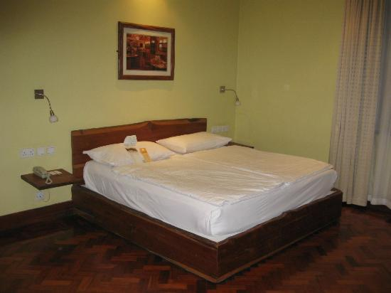 Fairview Hotel: Business-size bedroom