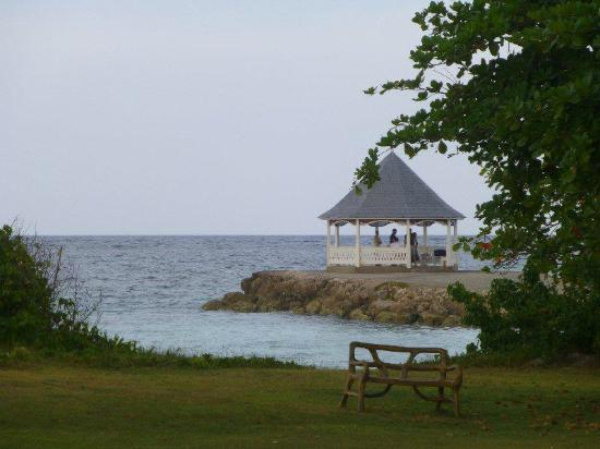 Silver Sands Vacation Villas: Massages in the Gazebo on the Silver Sands Jetty - only $60 US for an hour!
