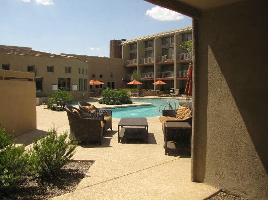 شيراتون فينيكس إيربورت هوتل تمب: Hotel pool area