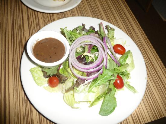 DeAngelo's by the Sea: Small salad - Gumada